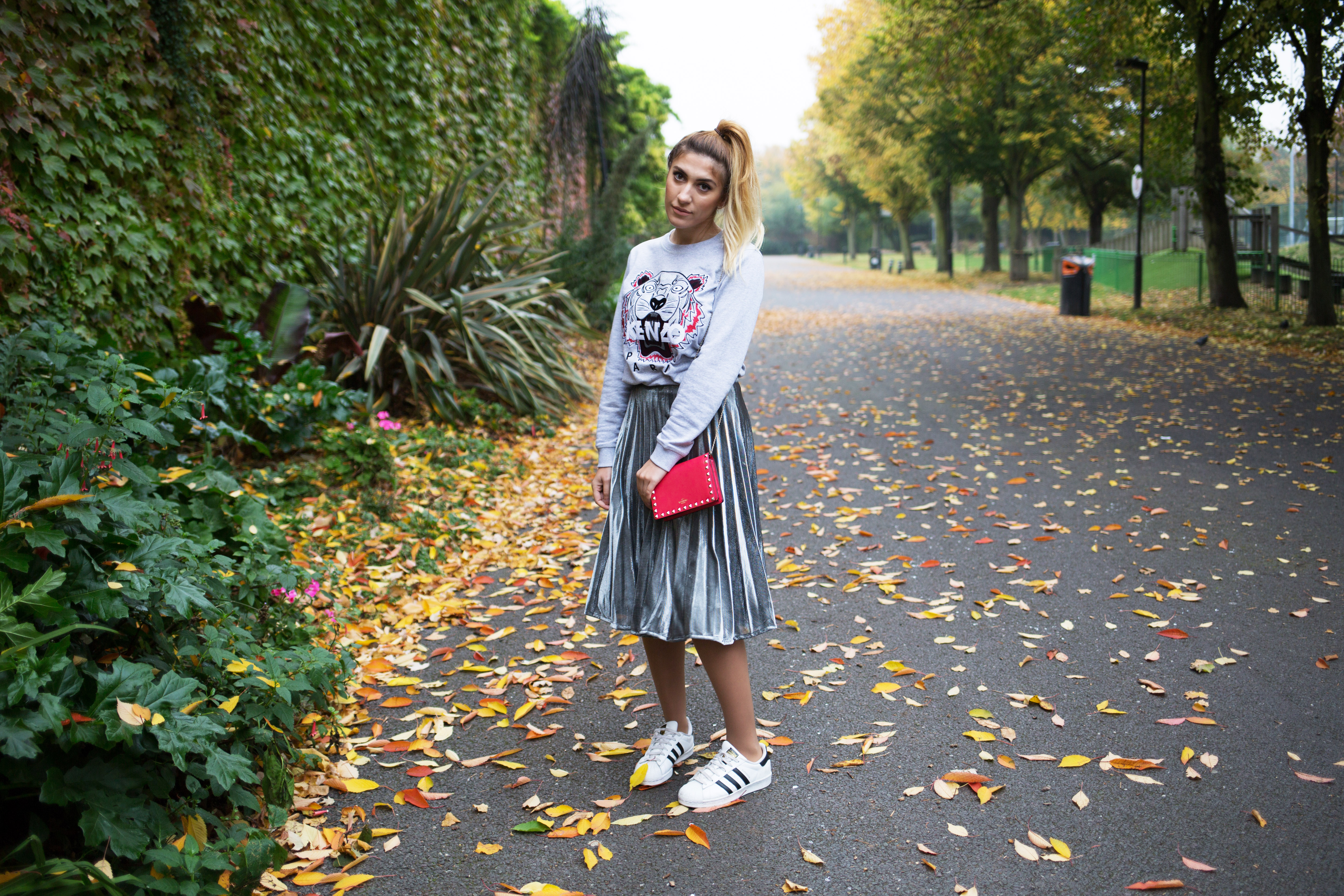 How to wear a Midi Pleated Skirt
