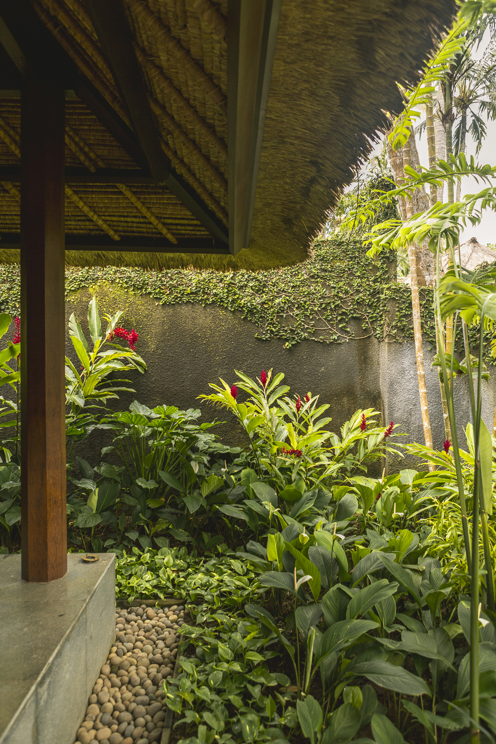 Kayumanis Ubud outdoor shower