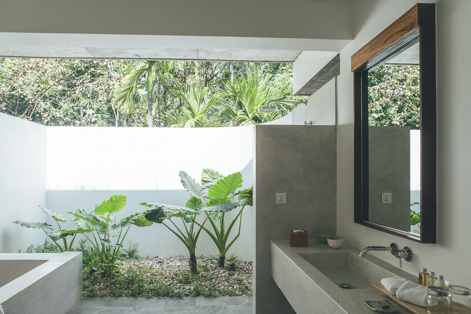 Siem Reap Hotels: templation outdoor bathroom