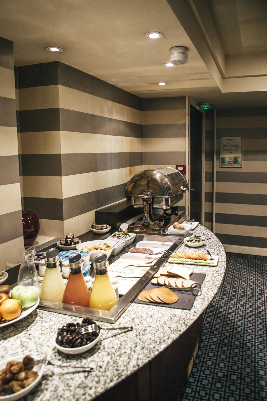 Hotel Plaza Eiffel Tower breakfast