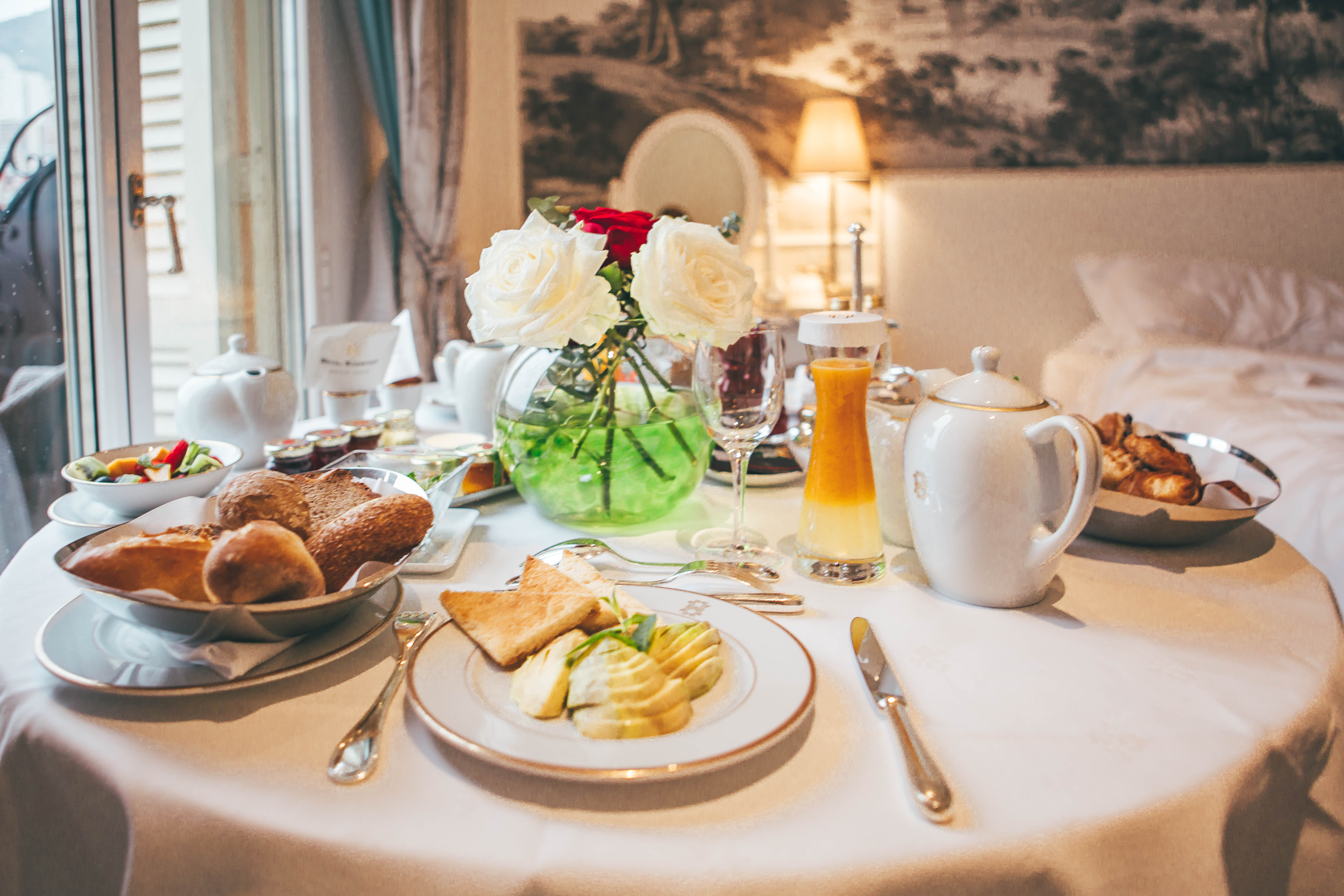 Hotel Hermitage room service