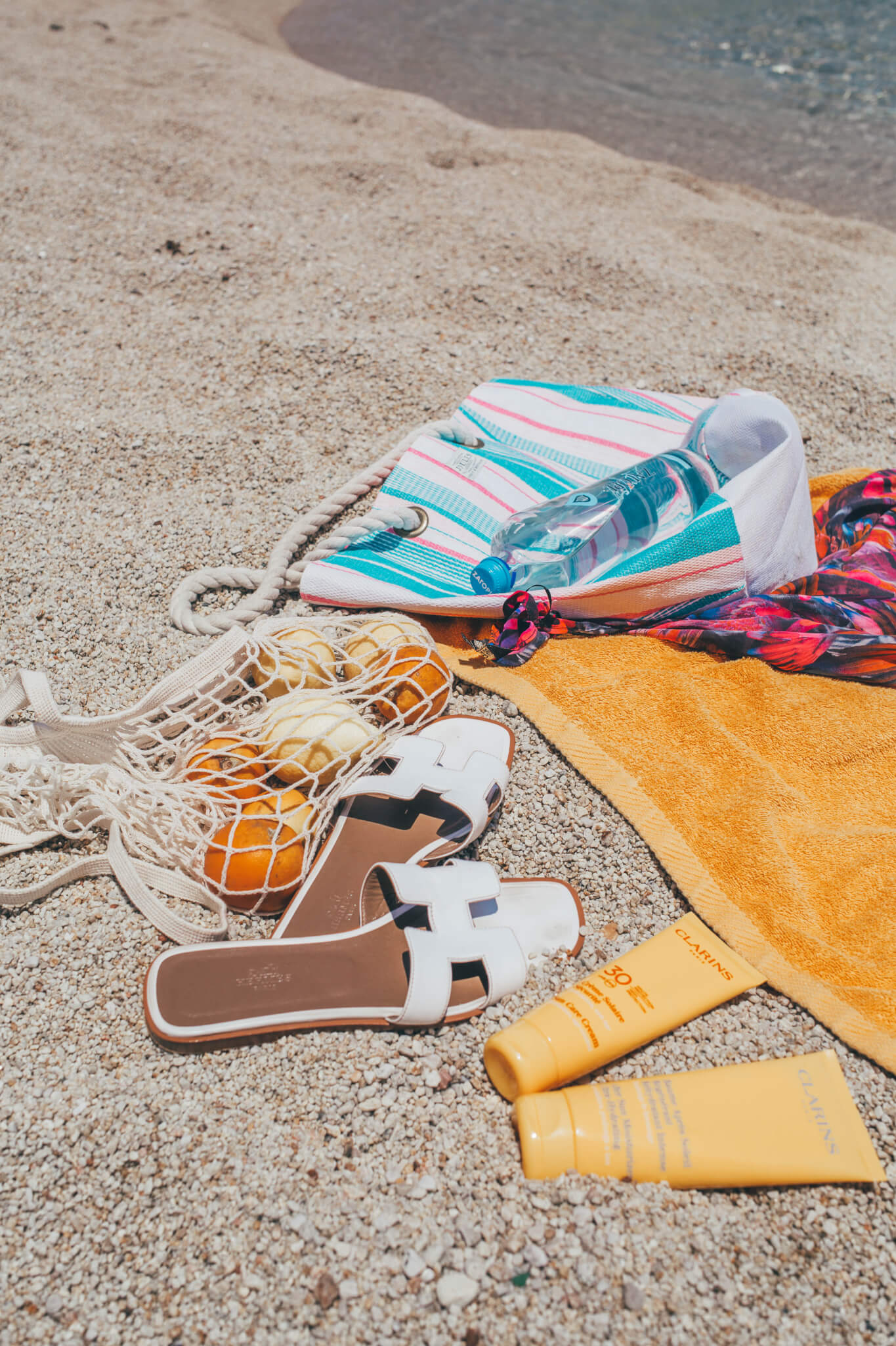 Summer Essentials: What's In My Beach Bag