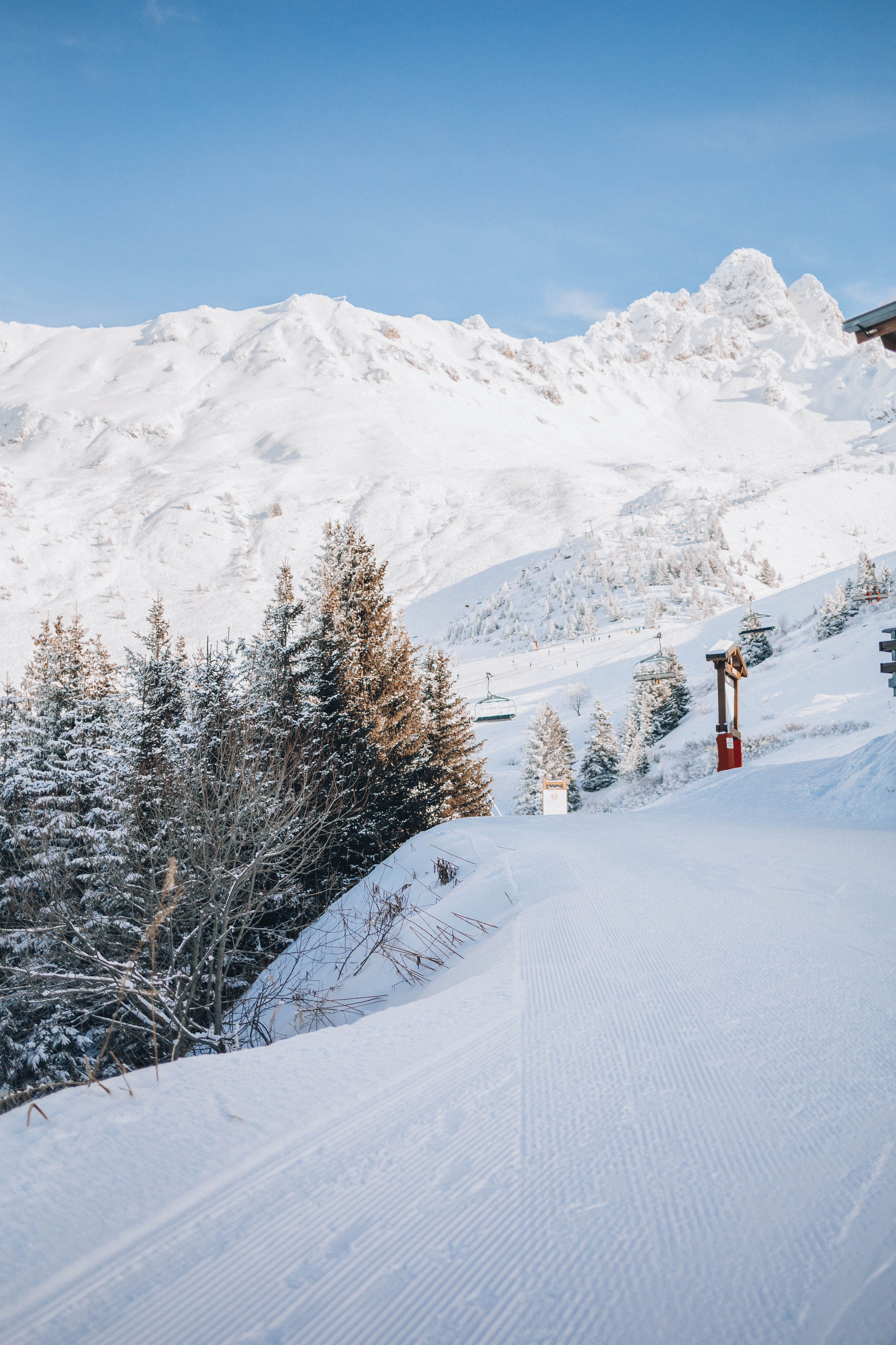 Learn to ski as an adult in Meribel