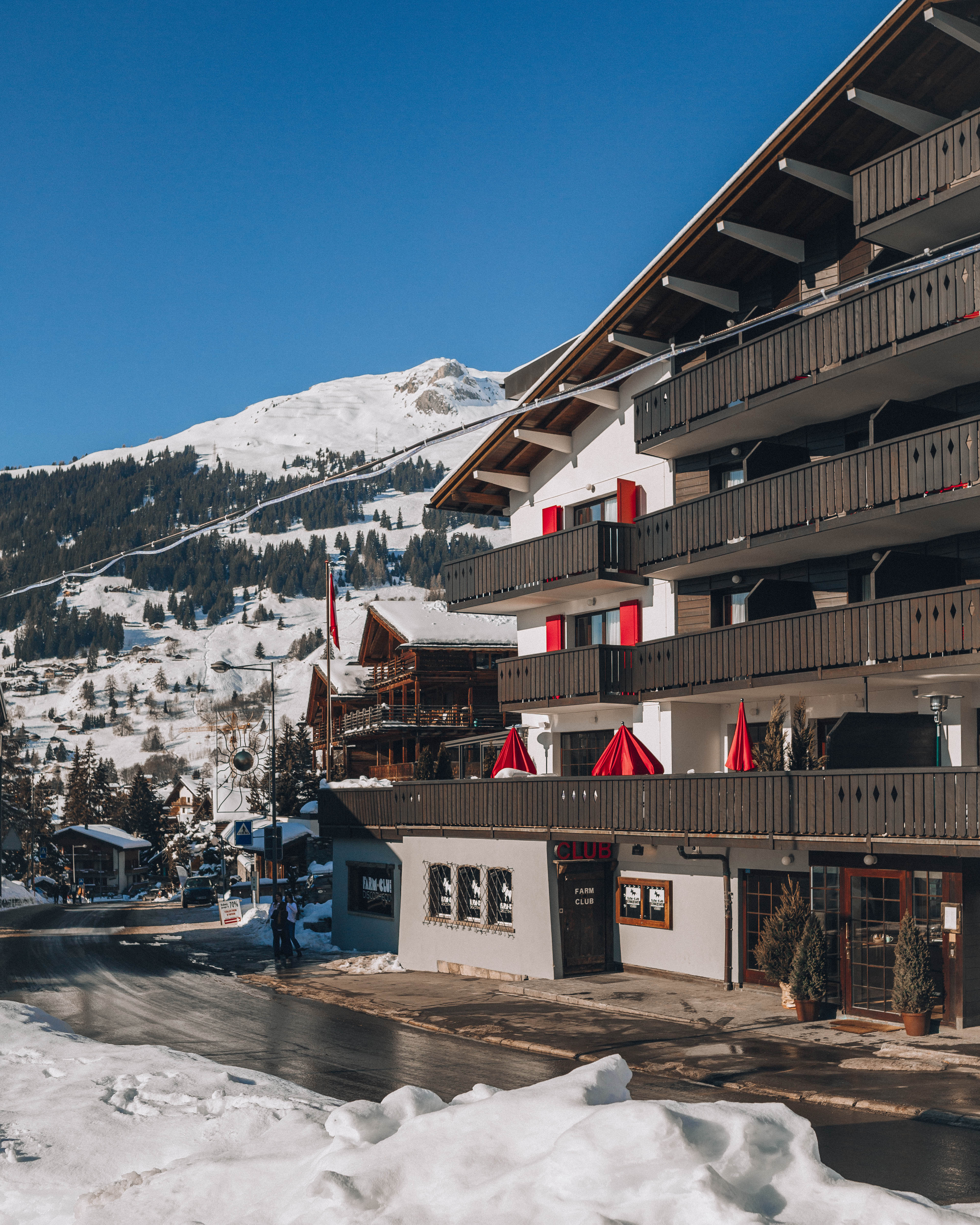 A dreamy winter stay at Experimental Chalet Verbier