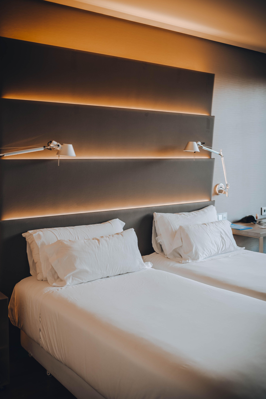 NH Sevilla Hotels Plaza de Armas room